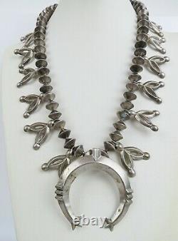 VTG Native American Navajo all sterling squash naja blossom necklace