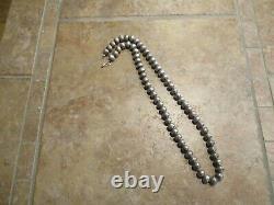 24 Marvelous Vintage Navajo Argent Sterling Pearls Collier De Perles Sur La Queue De Renard
