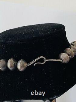 Vieux Pawn Navajo Argent Sterling Perle Stamped Perle Banc Collier Diplômé 17